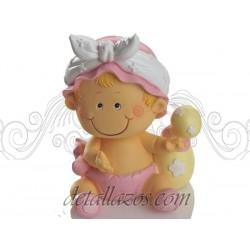 Huchas niña con gorrito rosa