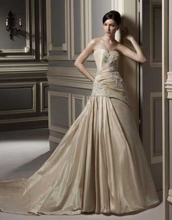vestido de novia en color beige de anjolique