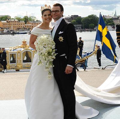 Victoria de suecia y Daniel Westling posando juntos
