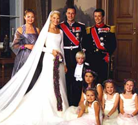 boda de haakon de noruega y mette-marit thyssen, vestidos de novias