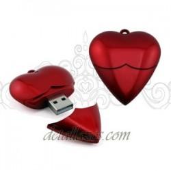 Memorias USB corazón rojo