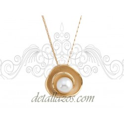 Collar dorado con perla de Antonio Miro