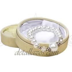 Pulseras de perlas con adorno