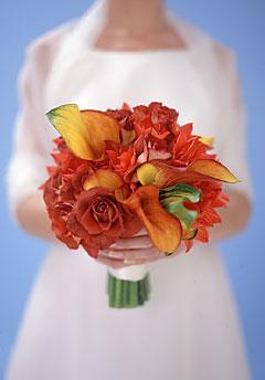 ramo de novia de calas naranjas