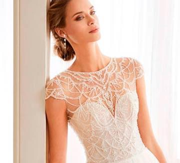 Vestidos de novia escote corazón Aire Barcelona 2020