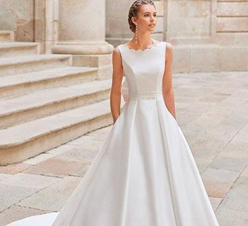 Vestidos de novia corte princesa Aire Barcelona 2022