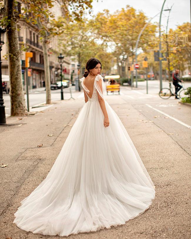 Alma Novia vestidos de corte princesa