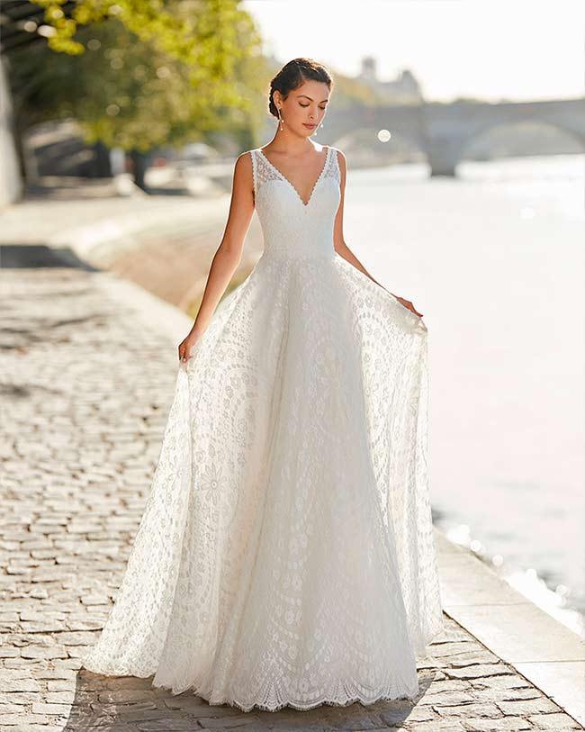 Vestido de Novia con escote en v de Alma novia 2021