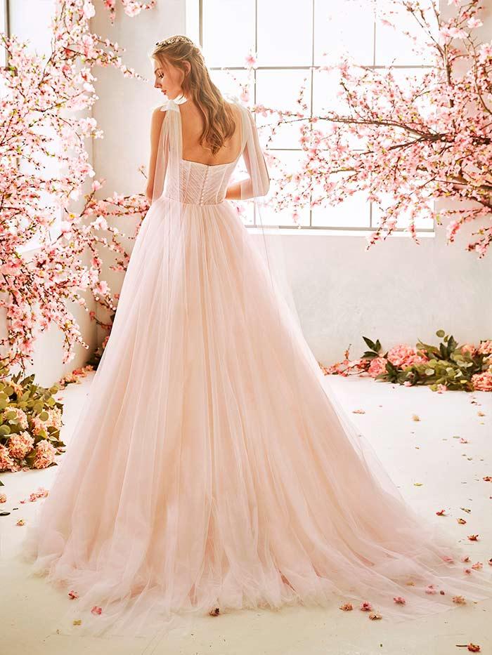 La Sposa vestidos de corte princesa