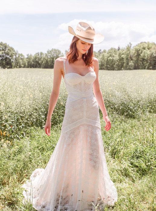 Novia D'Art 2021 vestido ibicenco de novia Tanit