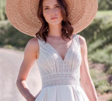 Vestidos de novia escote en v Novia D'art 2021