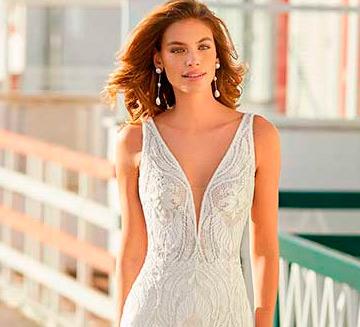 Vestidos de novia con escote en V Rosa Clára