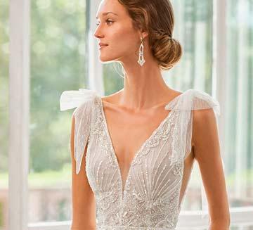 Vestidos de novia con escote en V Rosa Clára 2022