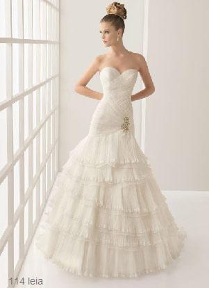 vestidos de novia con escote corazon de rosa clara