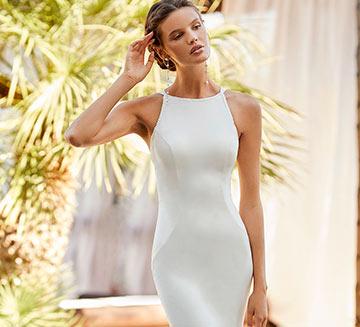 Vestidos de novia sencillos Adriana Alier 2021