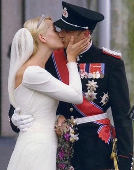Vestido de novia negro noruega